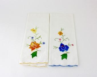 Vintage 60s Floral Tea Towels Pair White Cotton Linen w Appliqué & Embroidered Flowers