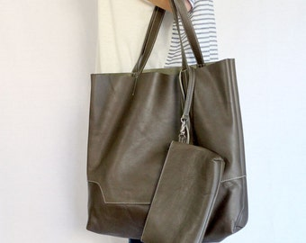 Leather Tote Bag / Handbag / with Samll Pouch - Brown