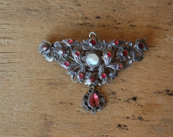 Vintage Portuguese Revival brooch pendant with foiled glass and mother of pearl