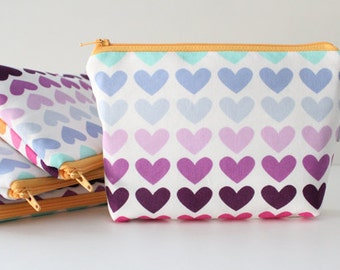 simple pouch -- rainbow hearts