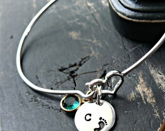 New Mom Gift, New Baby Gift, New Mom Jewelry, Mothers Bracelet, Mothers Jewelry, Initial Charm Bracelet, Baby Foot Bangle Bracelet