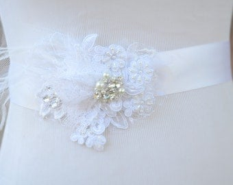 Bridal Lace Wedding Gown Sash,Custom Made Bridal lace feather gown sash,Bridal sash with rhinestones and pearls,White lace flower sash