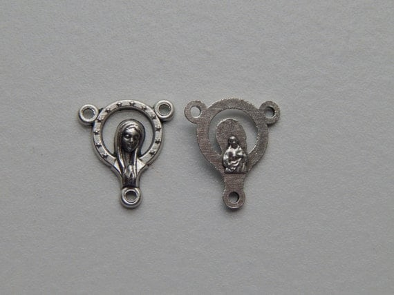 5 Rosary Center Piece Findings - 16mm Long, Mary, Sacred Heart, Small Stars Corona Silver Color Oxidized Metal, Rosary Center, RC504