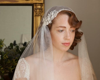 Stunning Juliet Cap Veil with Beaded lace ,Ivory or champagne Kate moss style veil, 1930s Vintage style veil, chapel length veil