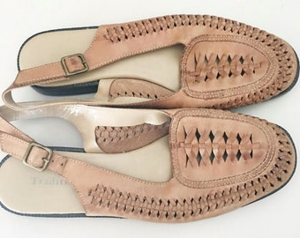 Vintage Light Brown Leather Woven Sandals / Slingback Sandals / Size 7