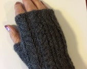 Alpaca Fingerless Gloves (Dark Grey)