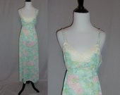 70s Floral Nightgown - Pastel Pink Blue Green Flowers - Nylon Tricot - Lace Trim - Vintage 1970s - M