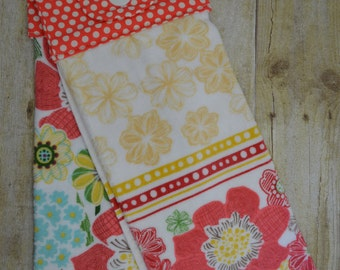 Handmade Hanging Kitchen, Set of Two Towels, Flowers and Bicycles, Kitchen Towels, Hanging Towels, Bathroom Towels