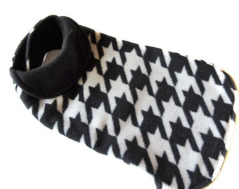 Dog coat, size medium, black and white houndstooth anti-pill fleece , black lambskin fleece lining , length 15 1/2 inches  ( 40 cm )