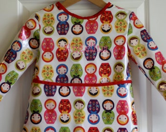 Extra Long Girls Long Sleeved Art Smock Painting Shirt with Little Kukla Dolls