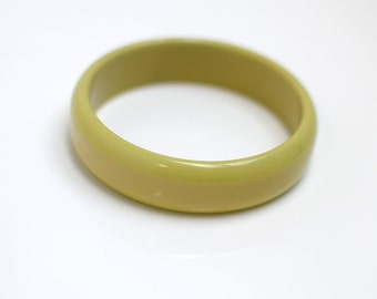 Vintage Chartreuse Two Toned Bakelite Bracelet Bangle