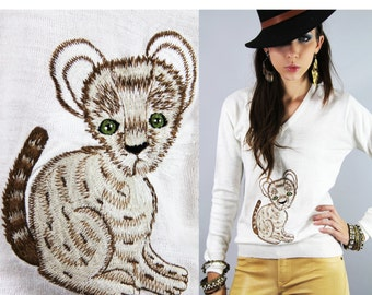 Sweater Vintage 1970s Embroidered CAT Tiger Cub Knit Sweater Pullover // TatiTati Style on Etsy