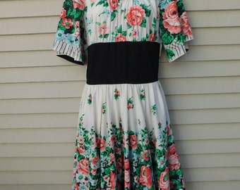 Vintage 50's Floral Dress With Bell Sleeves And Full Skirt, Size Medium