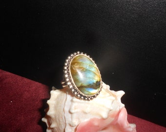 """Labradorite Ring """"Black Moonstone"""" Sterling Silver Tribal Style - Vintage New Age Healing Jewelry Size 8-1/2"""