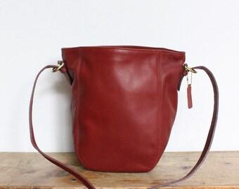 Vintage Coach Bag // Bucket Bag Deep Red Mint Condition // Hobo Duffle Bag