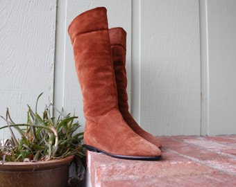 VTG Womens 8 Brown Burnt Sienna Suede Leather PointyToe Tall Riding Boots Pull On Moto Southwestern Hipster Gypsy Hippie Moto Summer Fashion