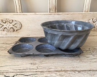 2 Vintage Enamelware and Graniteware Baking Pans - Biscuit Tin and Bundt Pan - Rustic Farmhouse Kitchen Decor