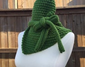 Bow Neck a Warmer Green