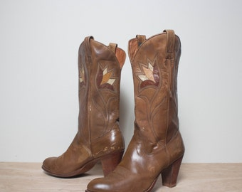 9 M | Dan Post High Heel Western Boots w/ Flower Inlay