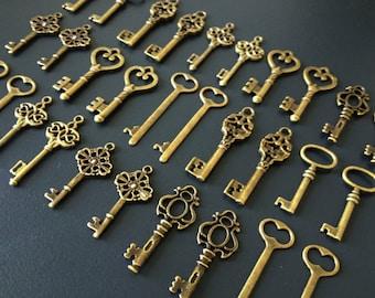 100 Large Vintage Key Charms Antique Bronze Brass Skeleton Key Skeleton Keys Set Skeleton Keys For Weddings Keys to the World  Vintage Keys