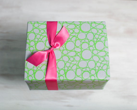 grey recycled gift wrap green modern wrapping paper eco luxe. Black Bedroom Furniture Sets. Home Design Ideas