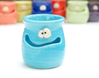 THE GRINNIN' IDGIT - turquoise blue - a Very Silly Egg Separator for the Cook Who Has Everything