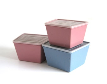 Ekco Stor Mates Plastic Food Storage Containers 1980s Kitchen Mauve Pink Slate Blue Gray Trapezoid Shape