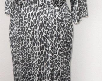 Vintage Robe Vanity Fair Leopard Print Gray and Black Medium Silky Nylon
