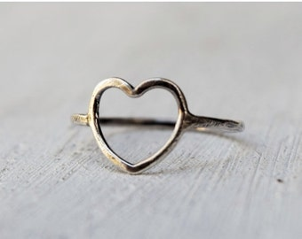 Minimalist Sterling Silver Open Heart Ring - Hammered Heart Ring - Gift For Her- Custom Made - Bridesmaids Gift - Simple