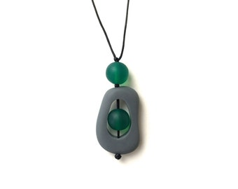 Nursing Necklace - Modern Minimal Breastfeeding Necklace - Twiddle Buster - Slate Grey, Emerald Green