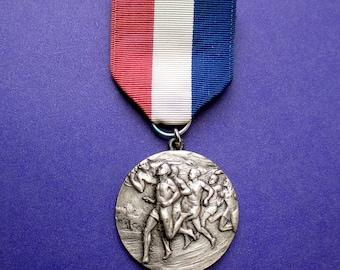 Marathon Medal Vintage Sports 1958, Track, Sports Medal, Runners Award