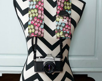 DSLR Camera Strap Cover- lens cap pocket and padding included- Abstract Foliage