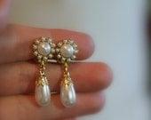 Wedding Jewelry Bridal Earrings Vintage Bridesmaids Earrings,   Golden Clip-On Ivory Pearls,Rhinestone ,Drop Vintage Pearl Earrings