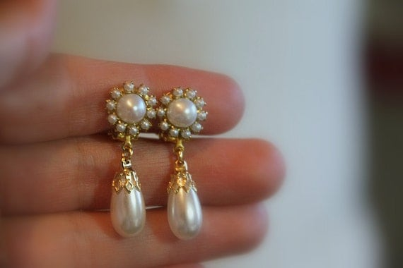 Wedding Jewelry Bridal Earrings Vintage Bridesmaids Earrings,   Golden Clip-On Ivory Pearls,Rhinestone ,Drop Vintage Pearl Earrings