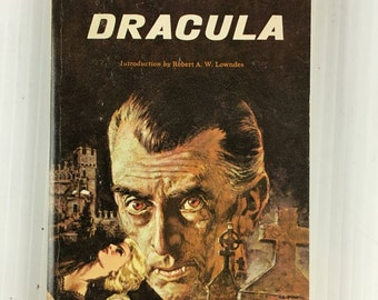 Dracula by Bram Stoker - Vintage Paperback 1965 Airmont Classics