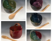 Pottery Batter Bowl - Custom Batter Bowl - Medium Mixing bowl with handle and spout  - Choose your color- ceramics - pottery - stoneware