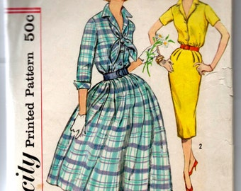 "1960's Simplicity One-Piece Dress Wiggle or Rockabilly Pattern - Bust 36"" - No. 2580"