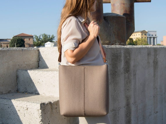40% OFF - Large felt SHOULDER BAG with leather strap / taupe bag / brown / tote bag / felt tote / wool felt / made in Italy