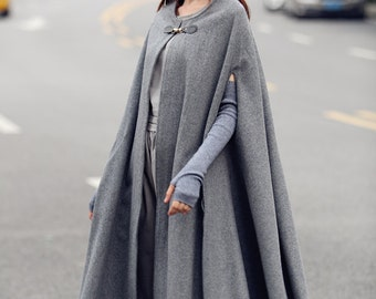Maxi Wool Cape in Grey,  Gray Cashmere Cloak coat, Bing Swing wool Coat, Winter Women Coat Jacket,Wool Blazer, Wool Poncho, Gray wool jacket