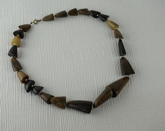 1980s Brown Faux Bone Bead Beaded Necklace