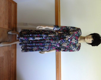 Stuart Alan Petites Dress, size 8 Petite, Jersey Knit, Matching Belt, Flared Skirt, Floral Print, Retro Dress#737