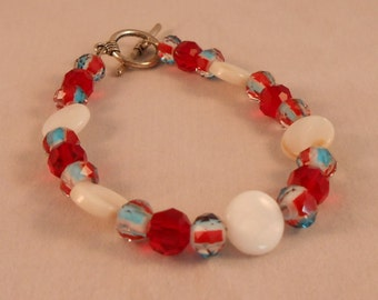 Crystal and shells americana bracelet,patriotic bracelet,8 inch bracelet,crystal and shell bracelet