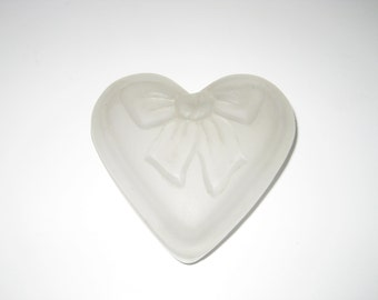 Vintage heart box, frosted glass, trinket box, Valentine's gift ideas