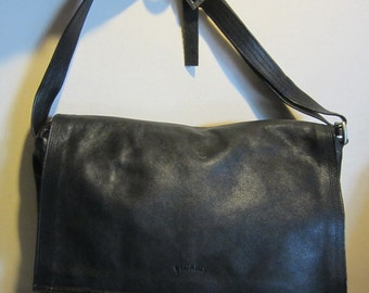 Vintage Picard black leather shoulder bag, vg vintage condition