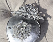 Metal heart, ex-voto heart, heart mirror, Mediterranea Design Studio, silver heart, sacred heart, metal wall decor, vintage french