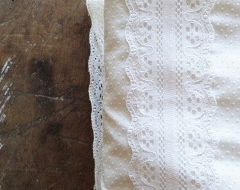 Vintage Bedding Blanket Coverlet Bedspread Lace Swiss Dots White Home & Living Home Decor John Matouk Twin Girls Shabby Chic Farmhouse