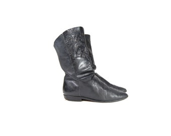 Size 6 Soft Leather Ankle Boots With Etcher Leather Detail by Unisa // G443
