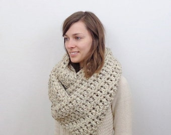 SALE Oversized Chunky Knit Infinity Scarf / The FLEMISH GIANT / Oatmeal
