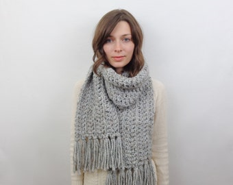 Chunky Knit Scarf with Fringe Wool Scarf | THE BRUSSELS in Earl Grey