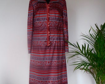 Beautiful bordeaux red seventies dress with paisley print and stripes. Eu 38. Soft synthetic